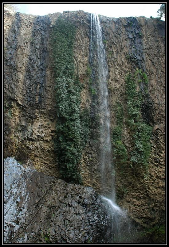 Cascata della Mola nei Monti Ceriti (Cerveteri)